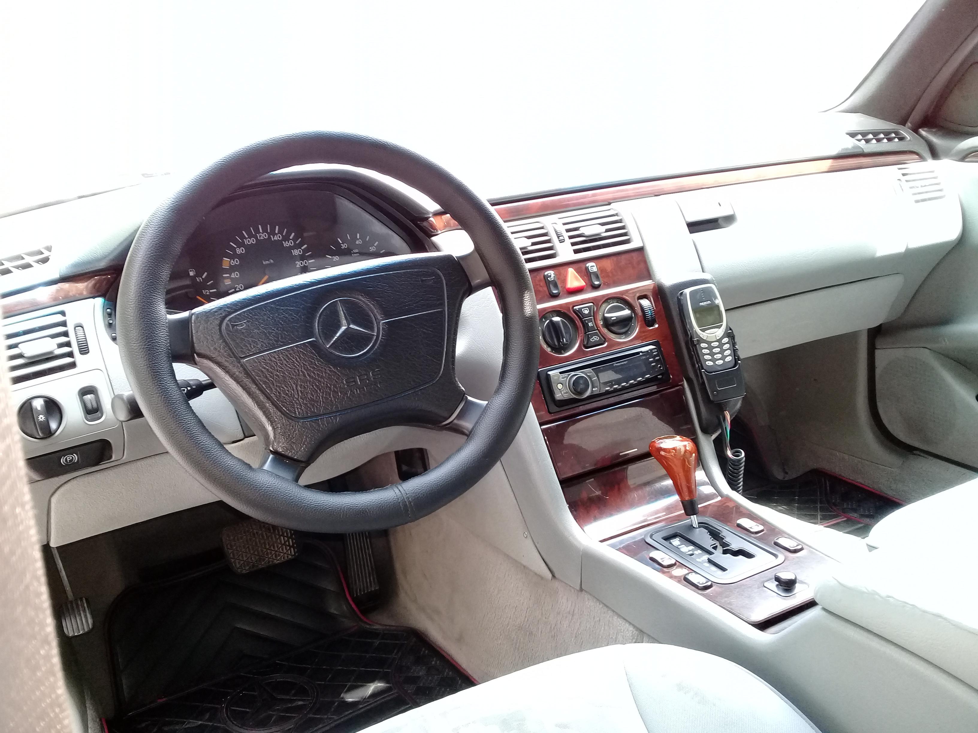 Mercedes-Benz E 230 2.3(lt) 1996 İkinci əl  $5300