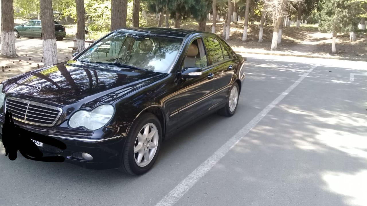 Mercedes-Benz C 240 2.6(lt) 2002 Подержанный  $6500