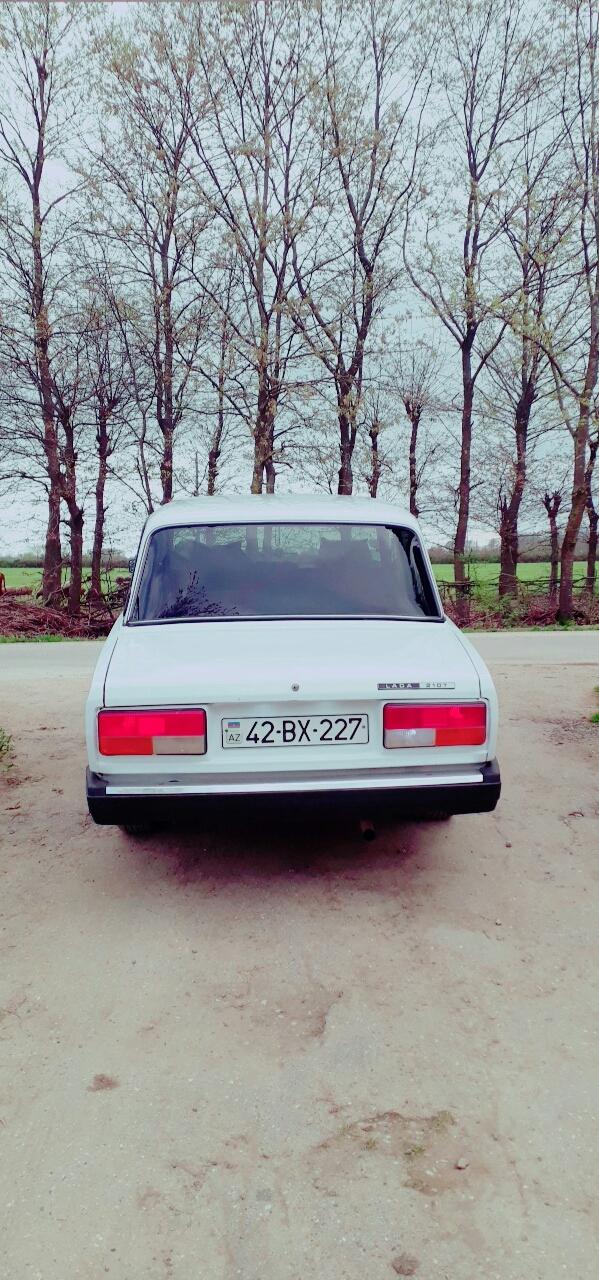 VAZ 2107 1.5(lt) 2005 Подержанный  $5200