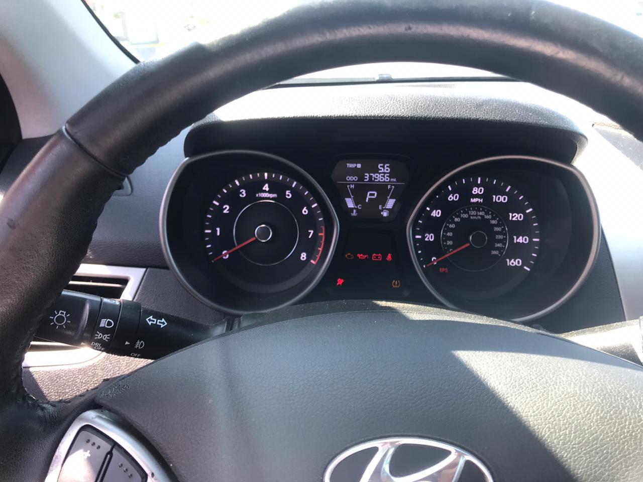 Hyundai Elantra 1.8(lt) 2013 Подержанный  $23700