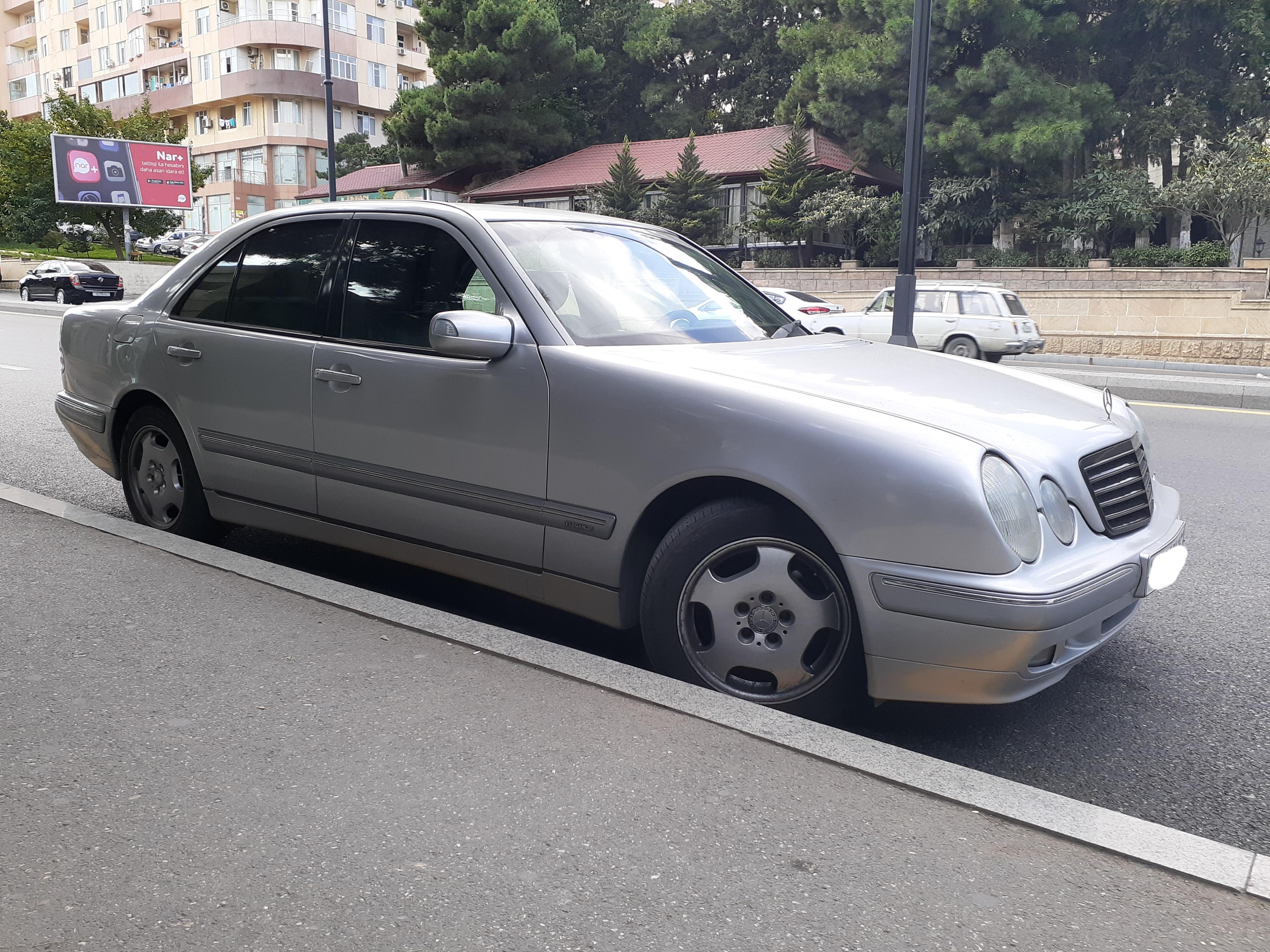 Mercedes-Benz E 240 2.4(lt) 2000 Подержанный  $8235