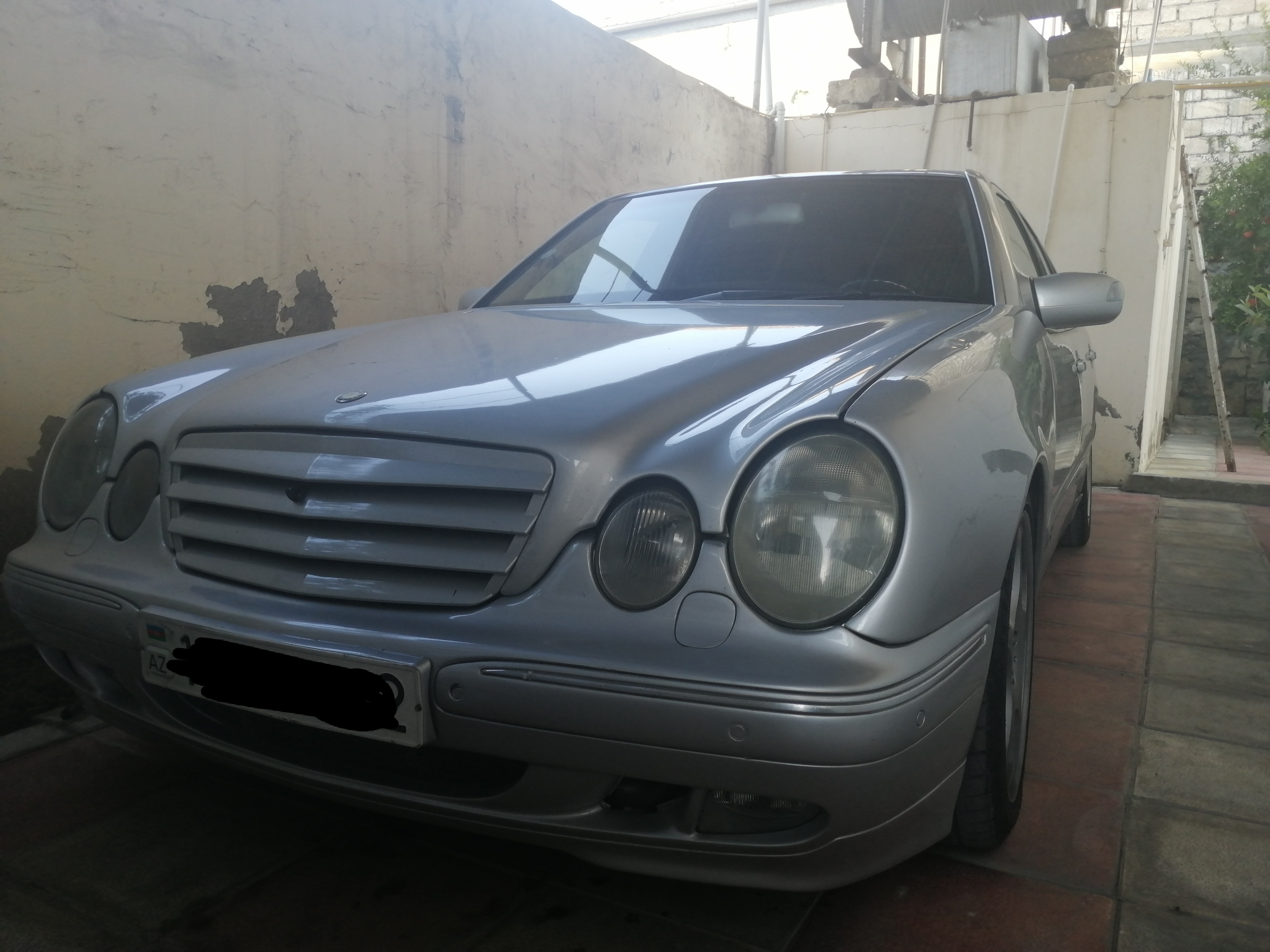 Mercedes-Benz E 320 3.2(lt) 2001 Second hand  $8000