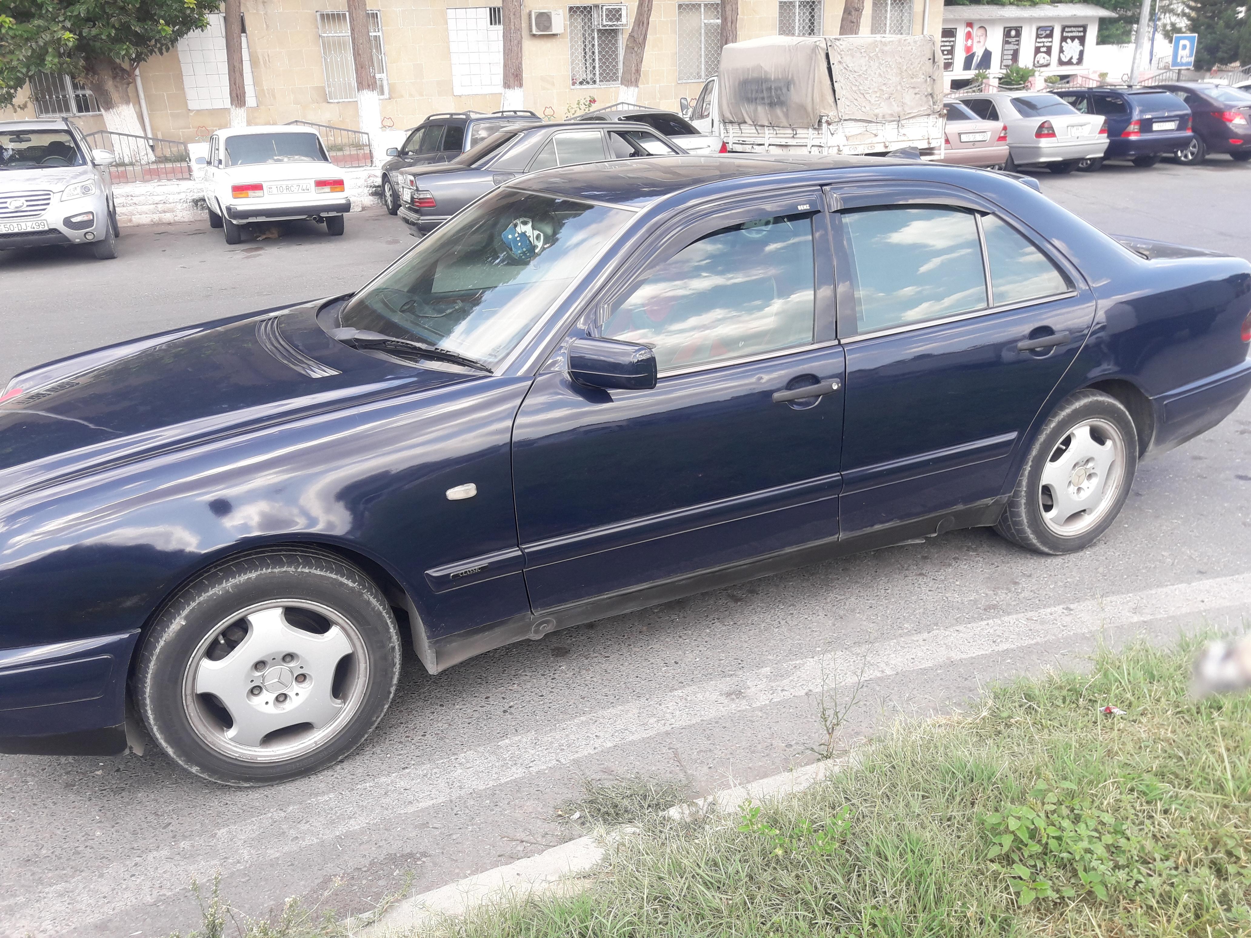 Mercedes-Benz E 220 2.2(lt) 1998 İkinci əl  $7400