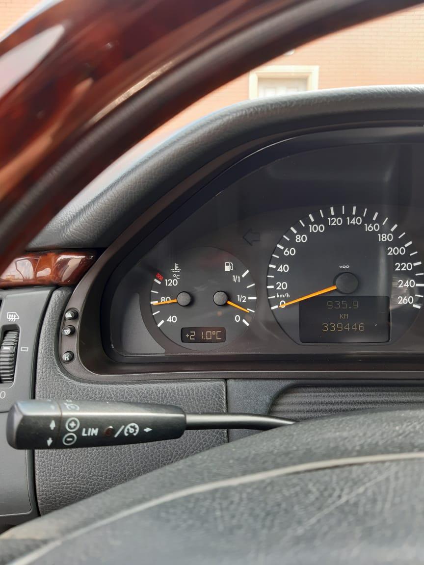 Mercedes-Benz E 280 2.8(lt) 2001 İkinci əl  $15500