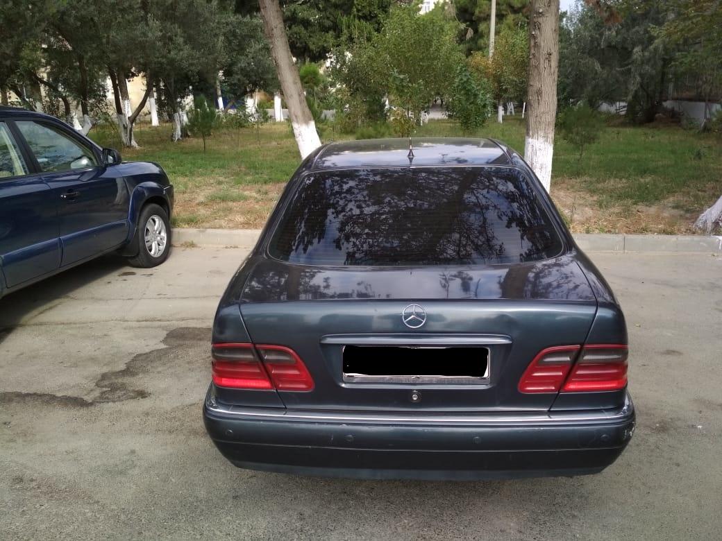 Mercedes-Benz E 220 2.2(lt) 1998 İkinci əl  $11500