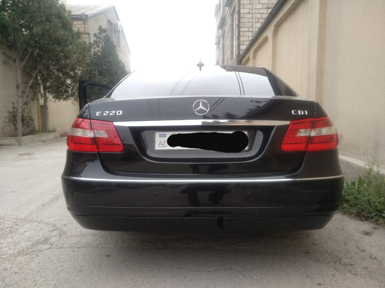 Mercedes-Benz E 220 2.2(lt) 2011 İkinci əl  $17800