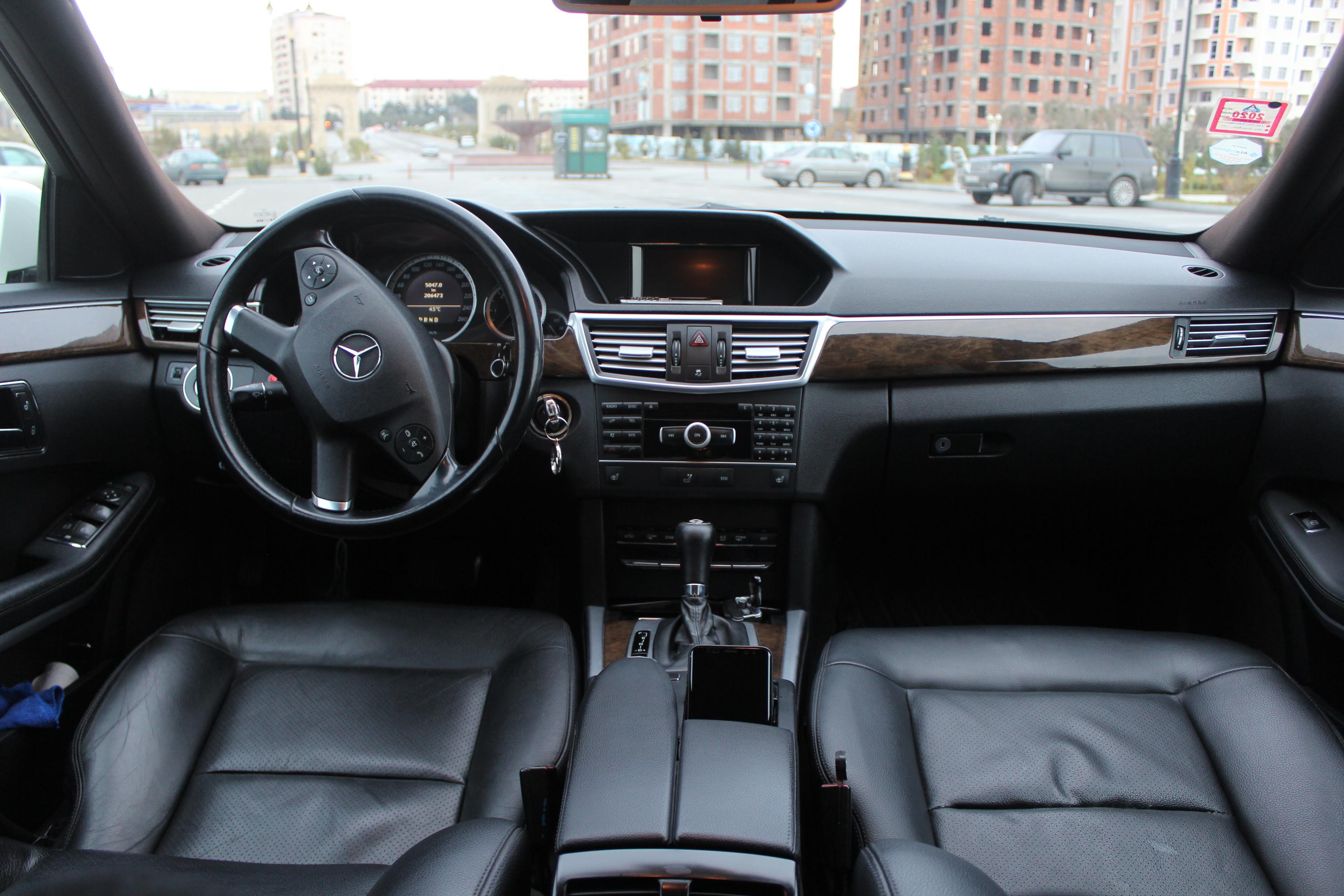 Mercedes-Benz E 220 2.2(lt) 2009 Second hand  $18000