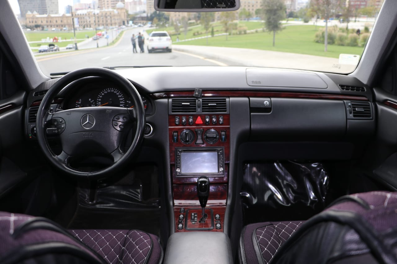 Mercedes-Benz E 220 2.2(lt) 2001 Second hand  $15500