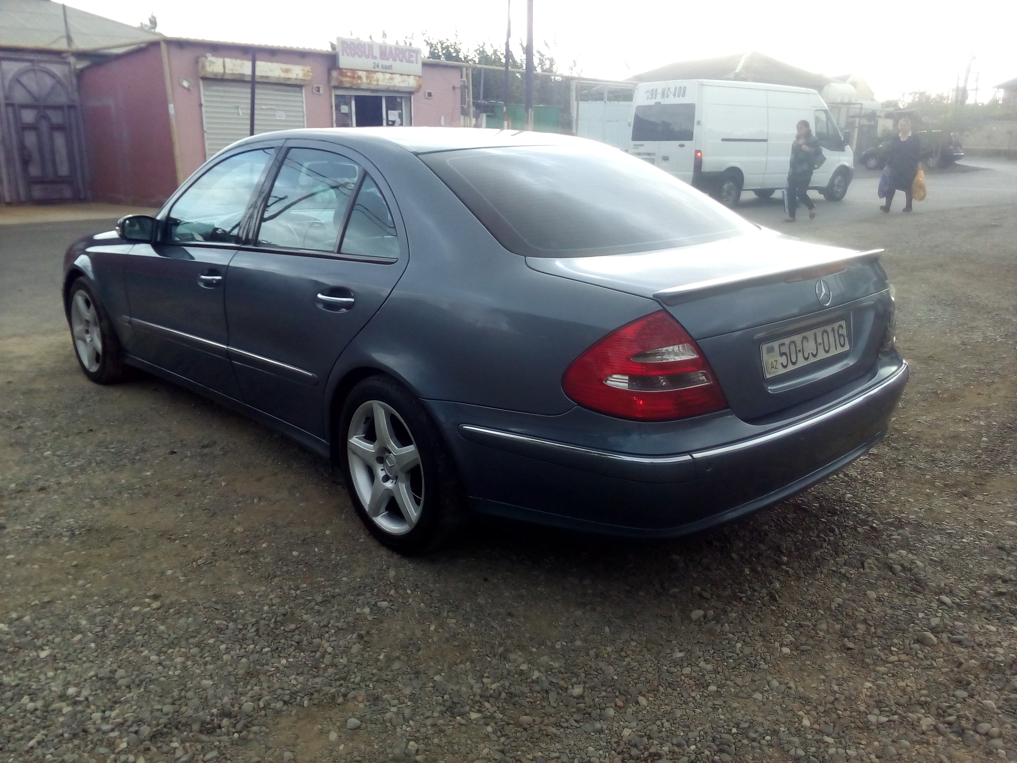 Mercedes-Benz E 240 2.6(lt) 2002 Second hand  $13400