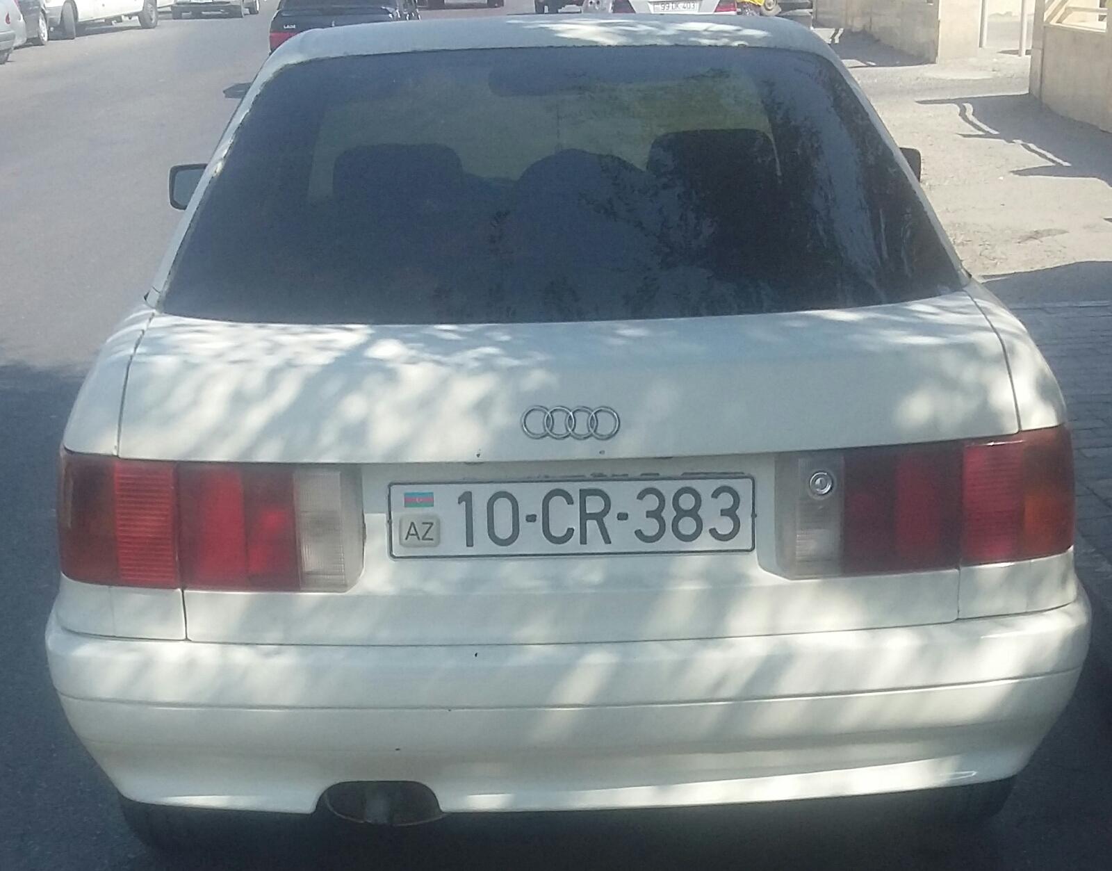 Audi 80 1.8(lt) 1987 Подержанный  $2100