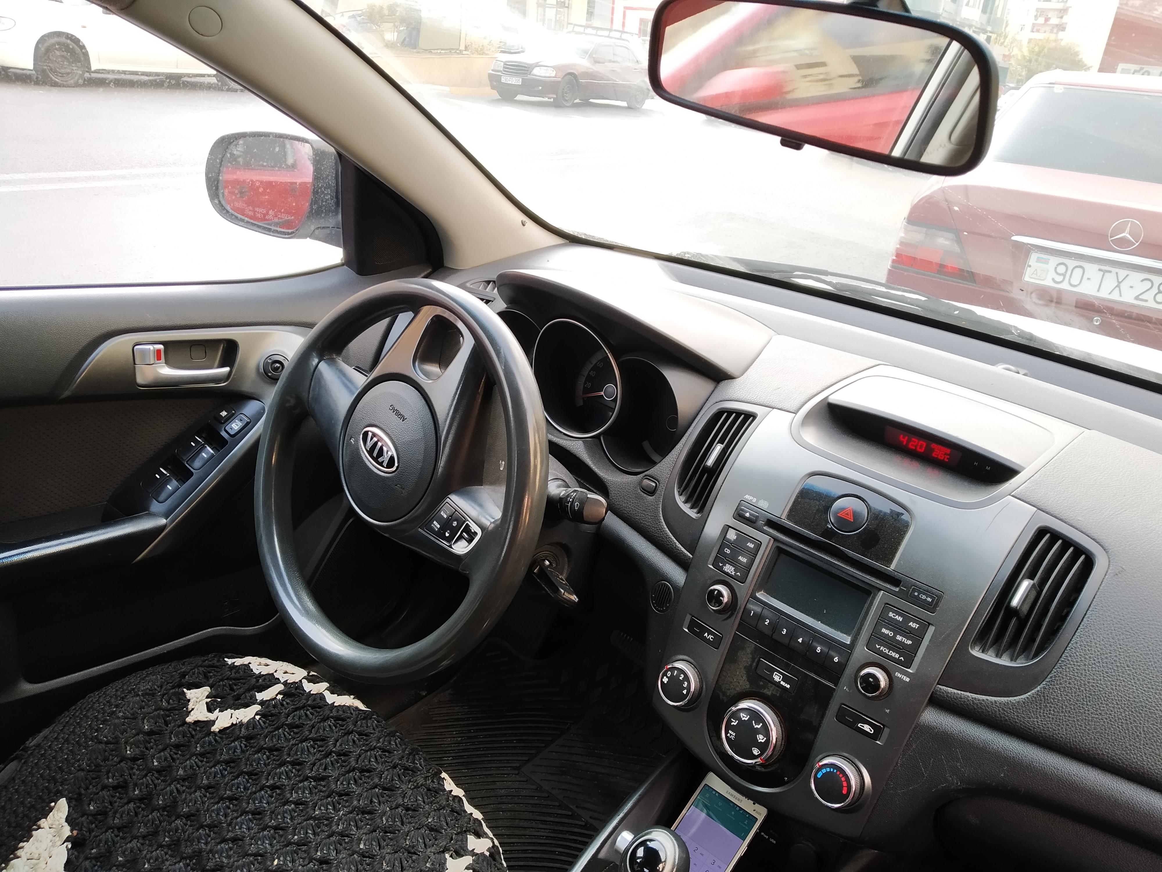 Kia Cerato 1.6(lt) 2011 Подержанный  $17000