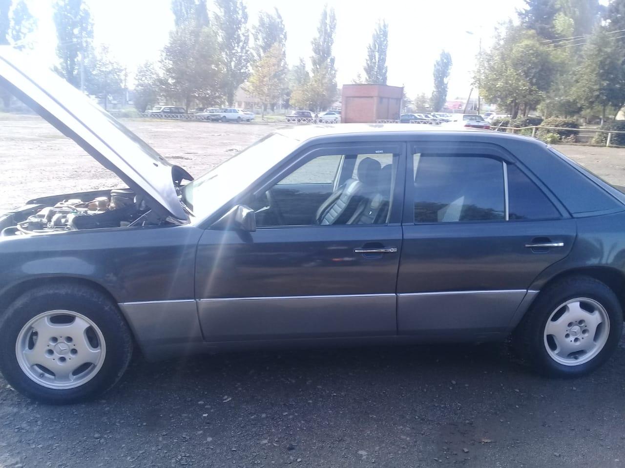 Mercedes-Benz 250 2.5(lt) 1990 Second hand  $7500