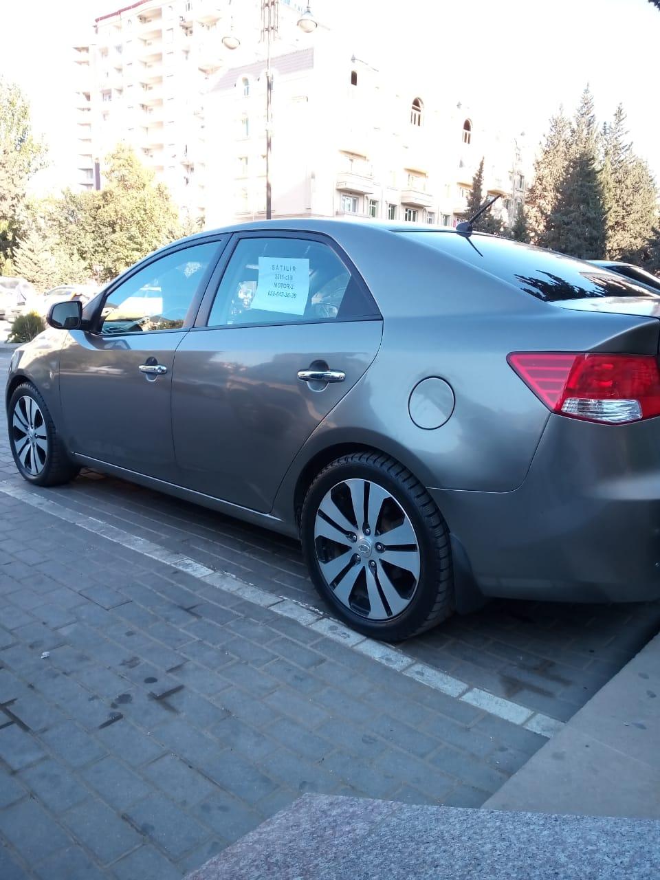 Kia Cerato 2.0(lt) 2011 Подержанный  $9500