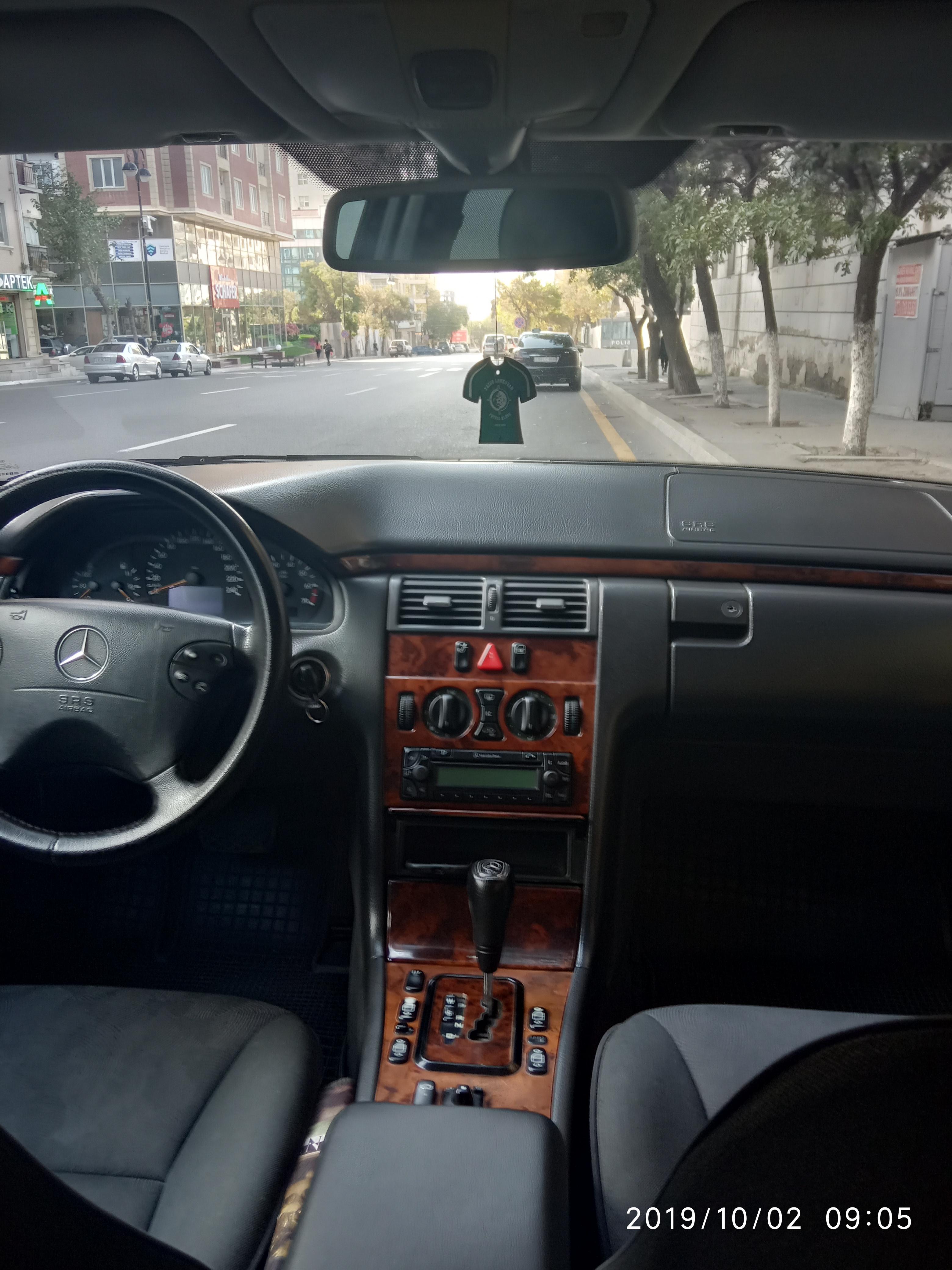 Mercedes-Benz E 200 2.0(lt) 1999 Second hand  $7800