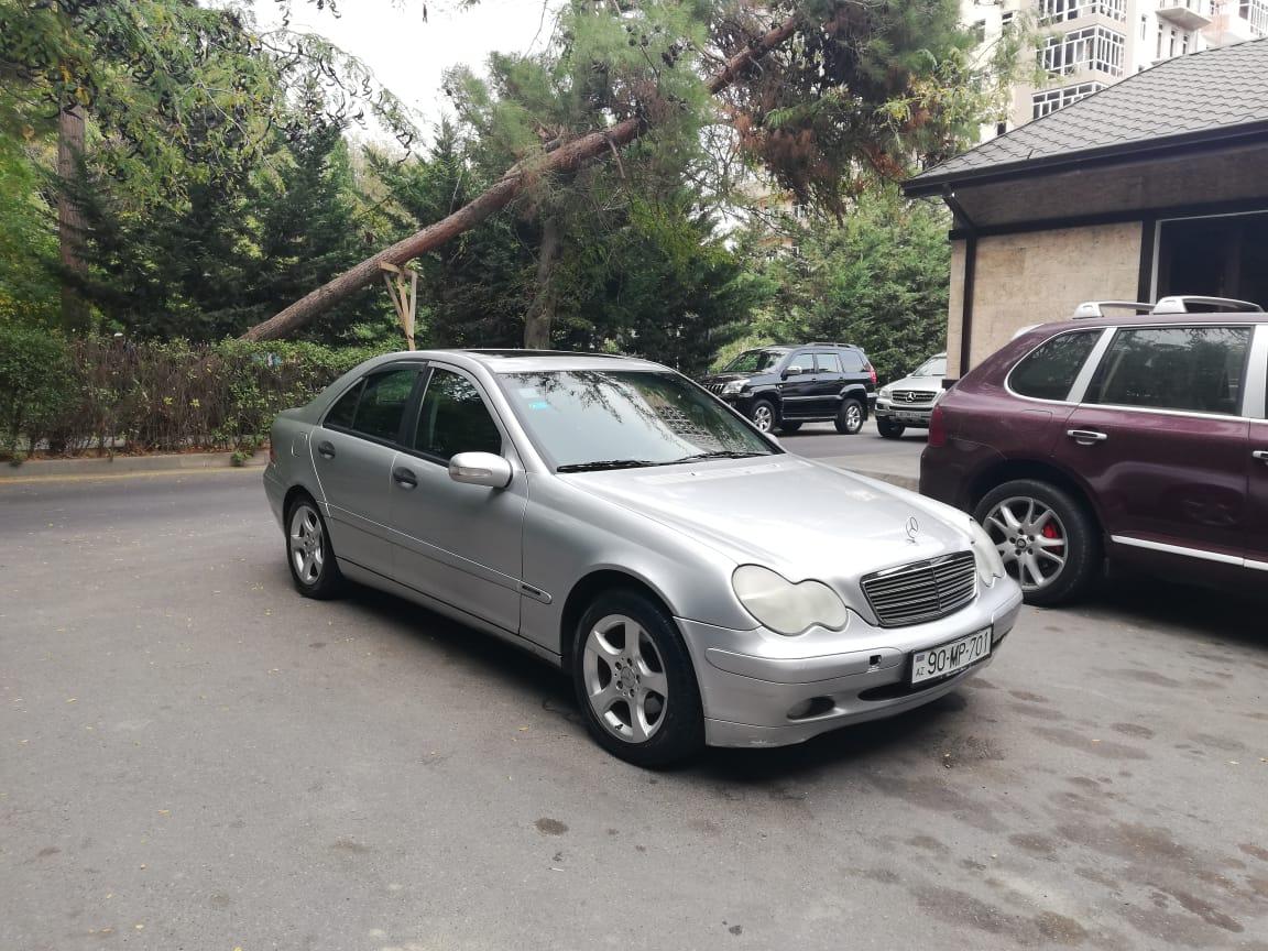 Mercedes-Benz C 200 2.0(lt) 2001 Second hand  $10800