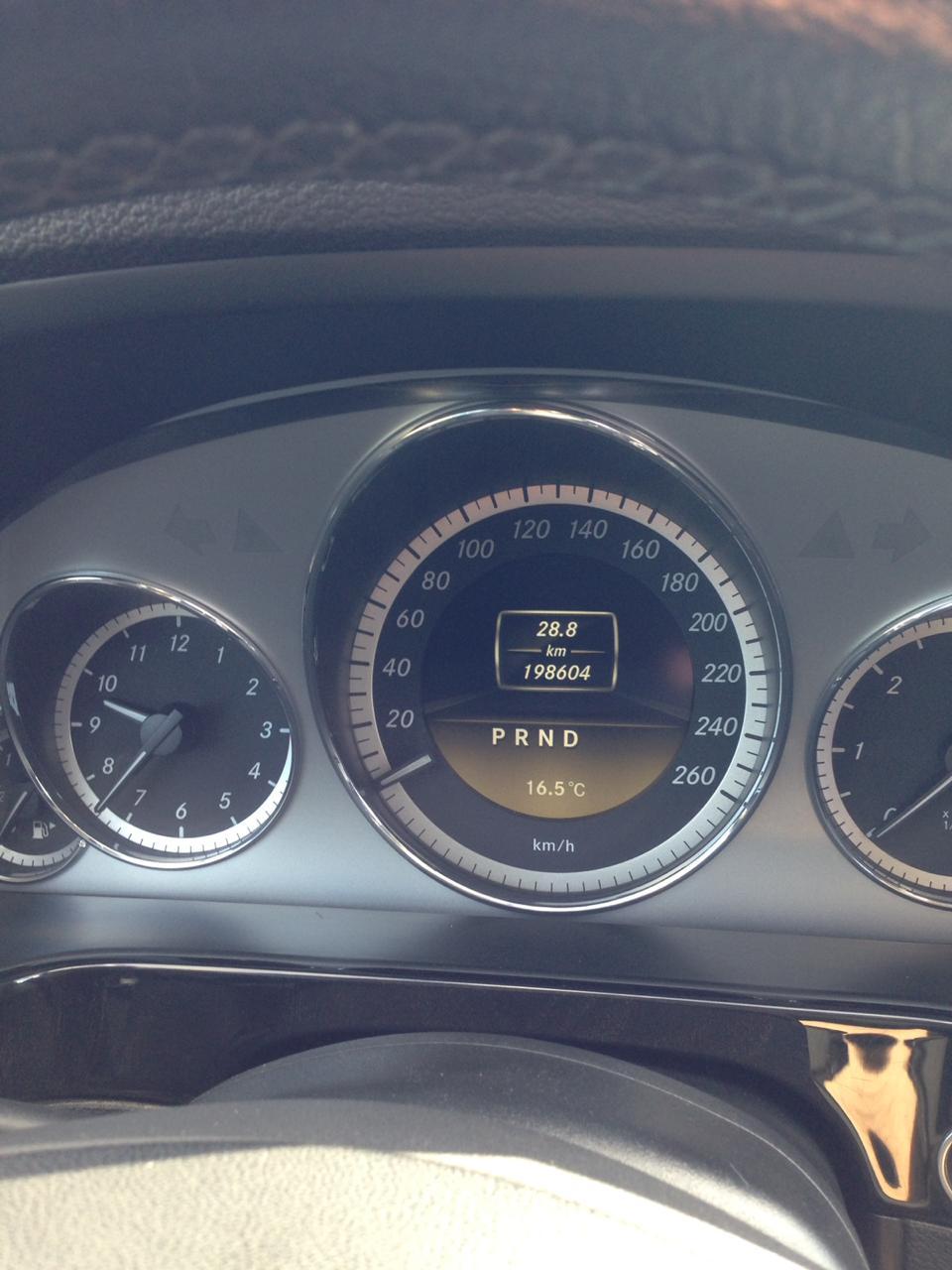 Mercedes-Benz E 220 2.2(lt) 2011 Second hand  $22000