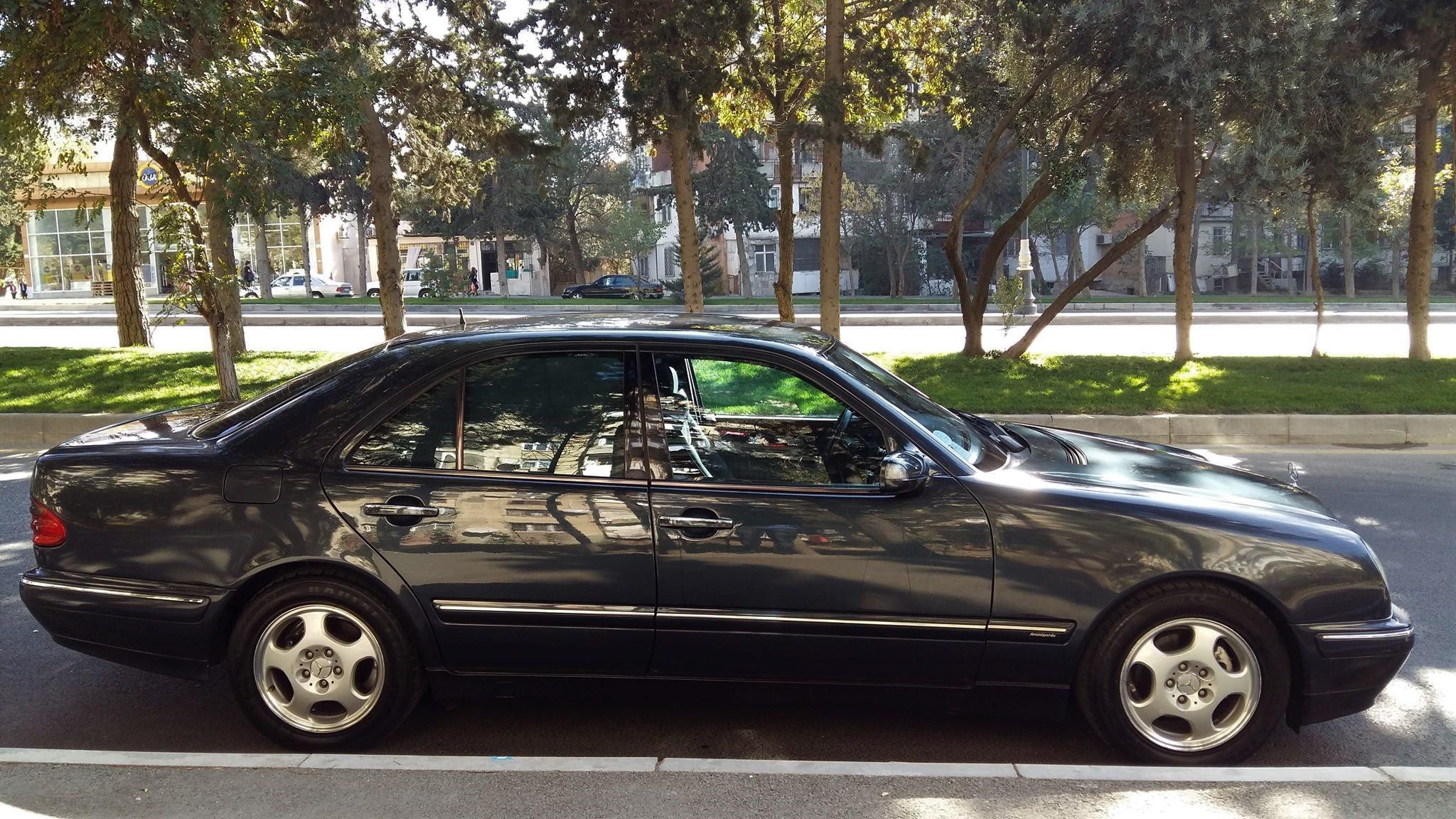 Mercedes-Benz E 220 2.0(lt) 2001 Second hand  $14800