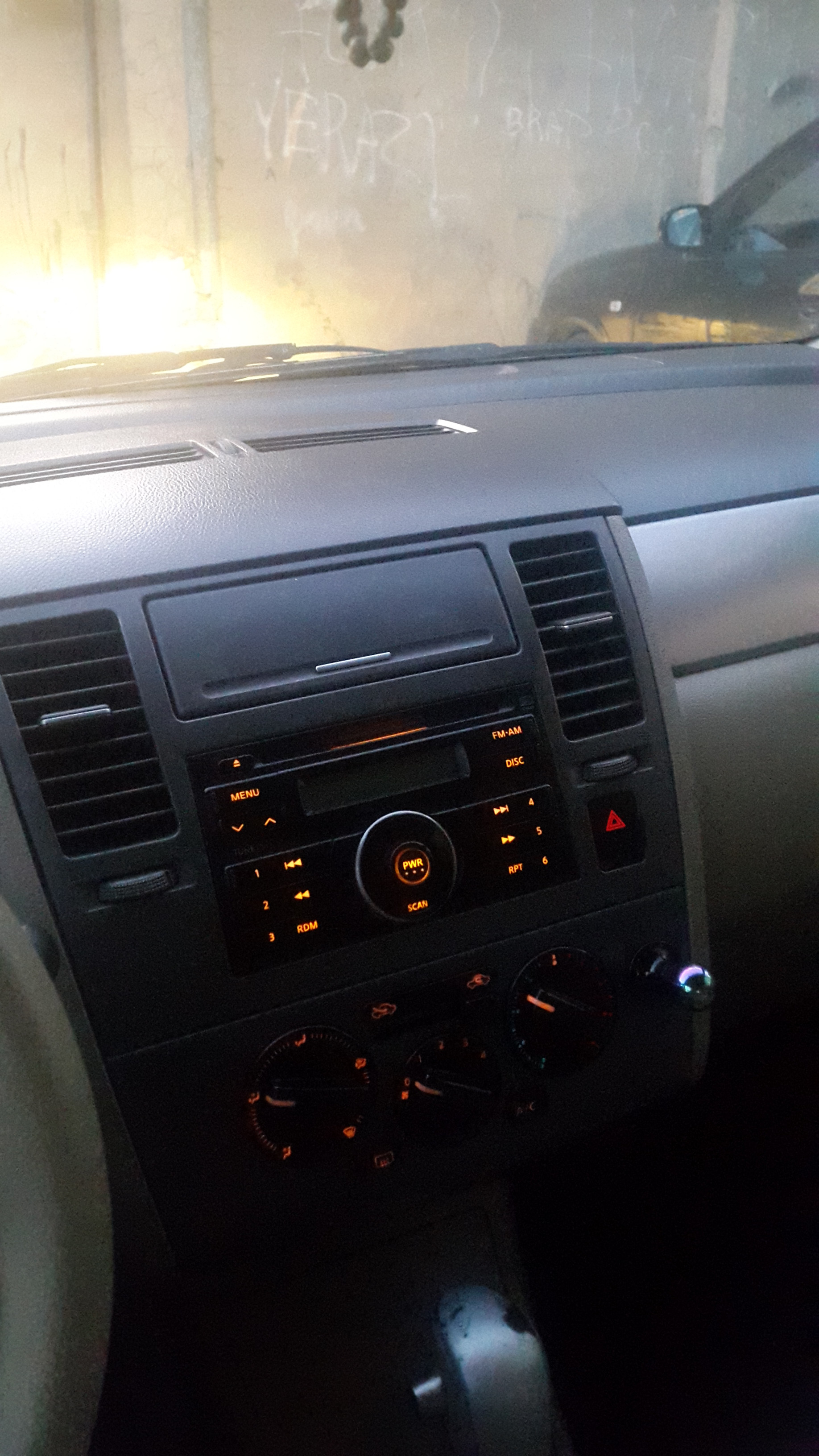 Nissan Tiida 1.6(lt) 2008 Подержанный  $13000