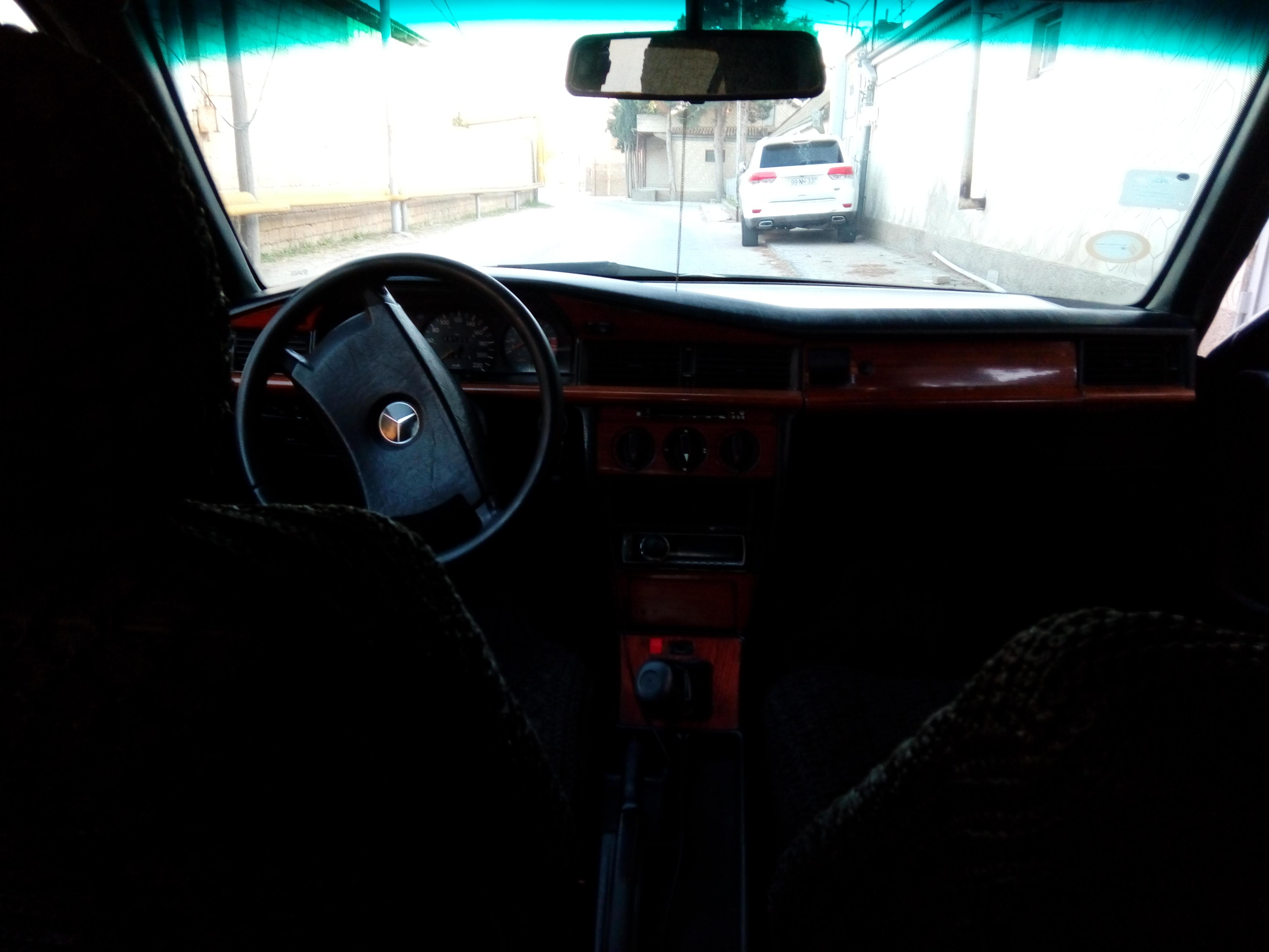 Mercedes-Benz 190 2.0(lt) 1991 Подержанный  $4900