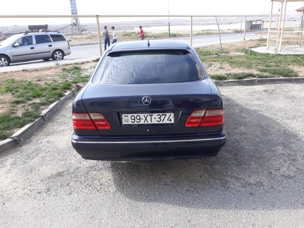 Mercedes-Benz E 240 2.6(lt) 2001 İkinci əl  $13500