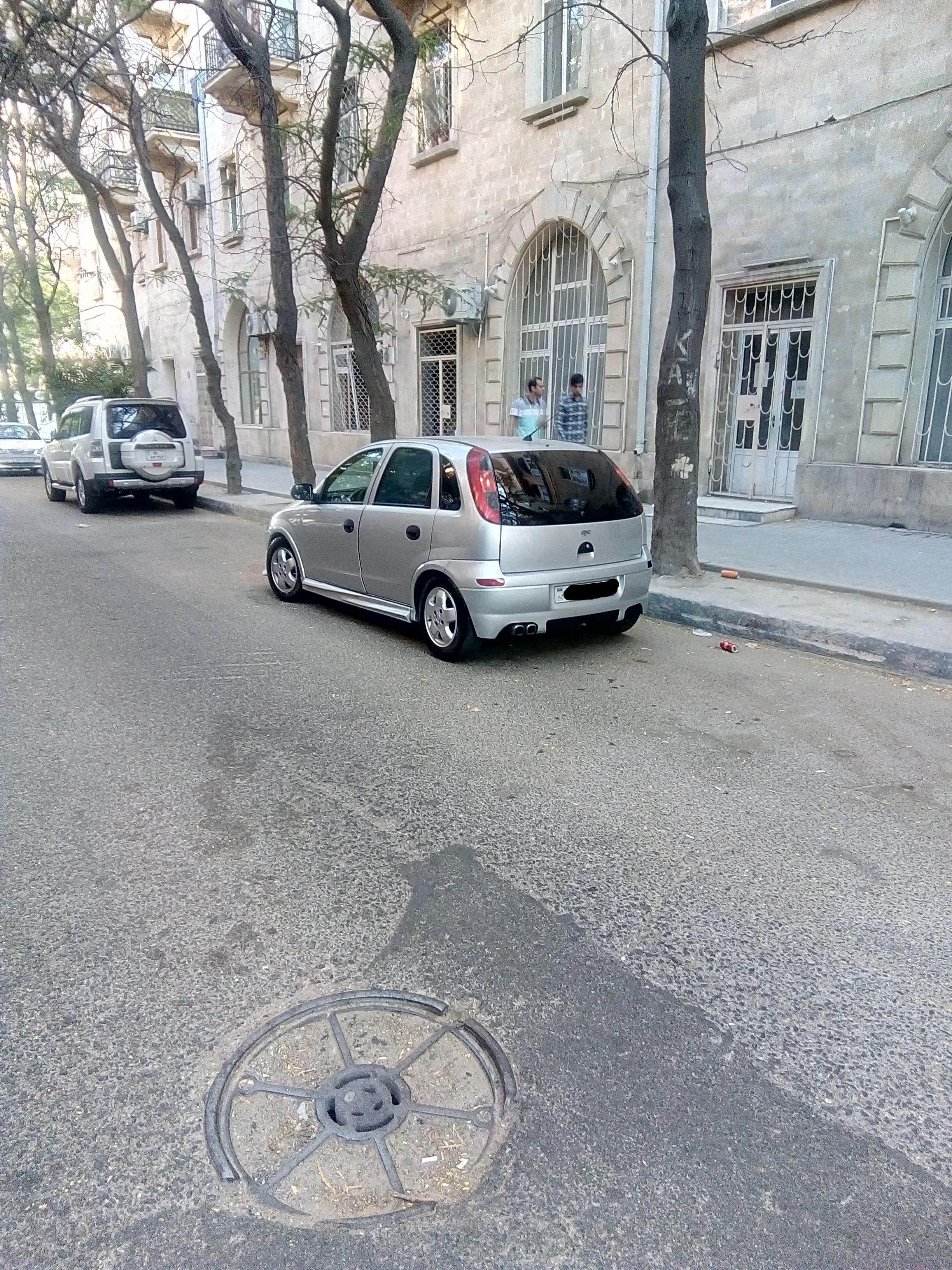 Opel Corsa 1.4(lt) 2001 İkinci əl  $8999