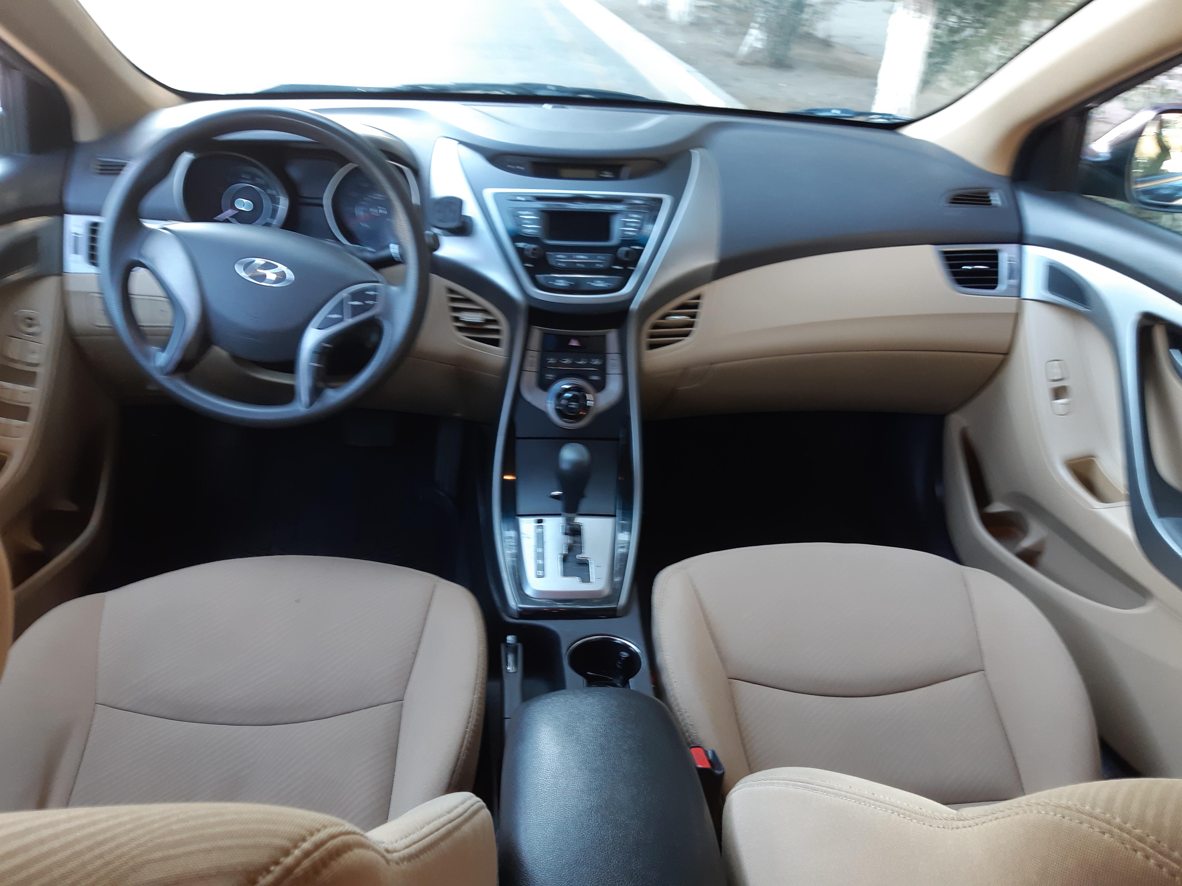 Hyundai Elantra 1.8(lt) 2013 İkinci əl  $9000