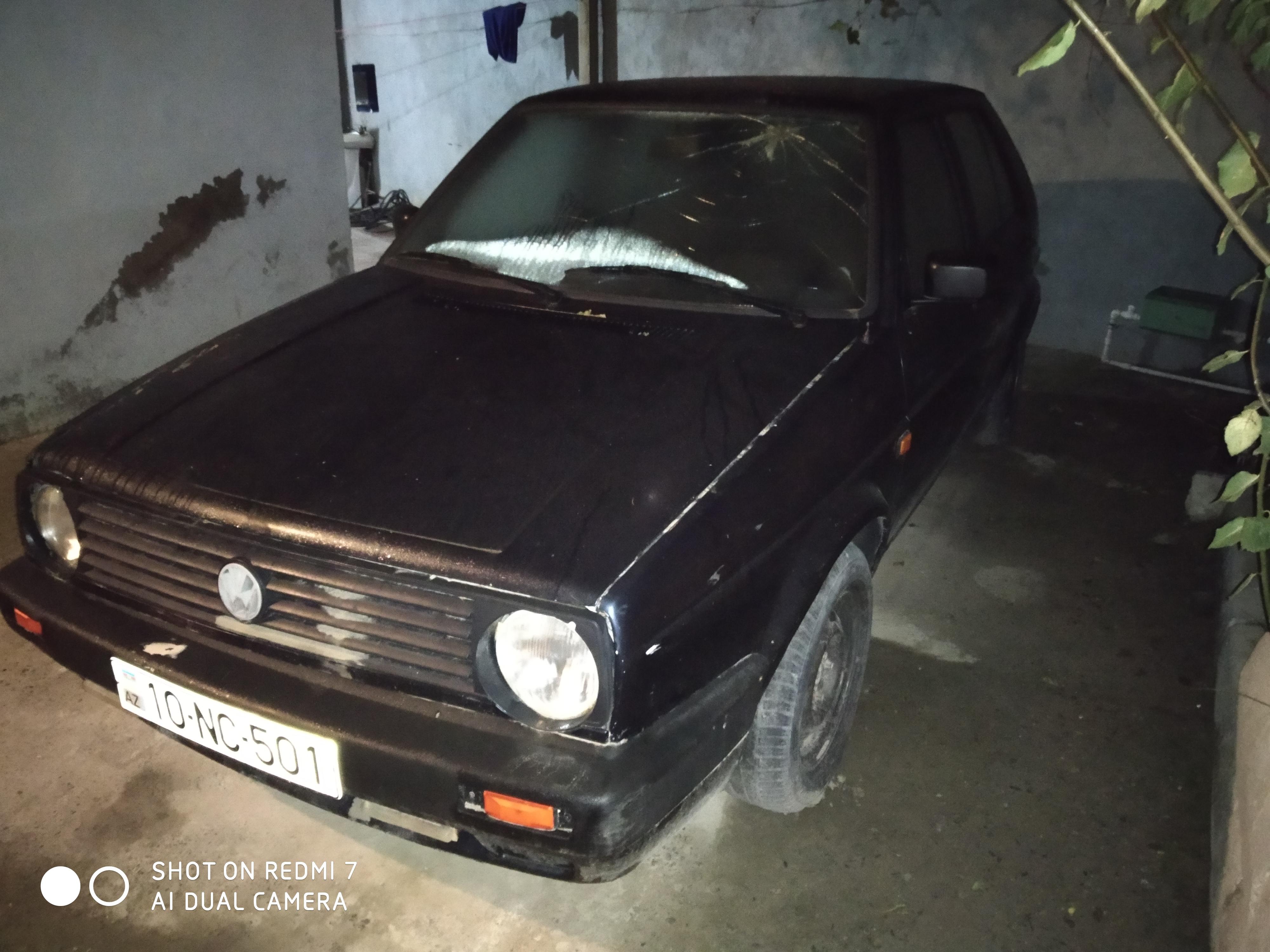 Volkswagen Golf 1.8(lt) 1991 Подержанный  $1300