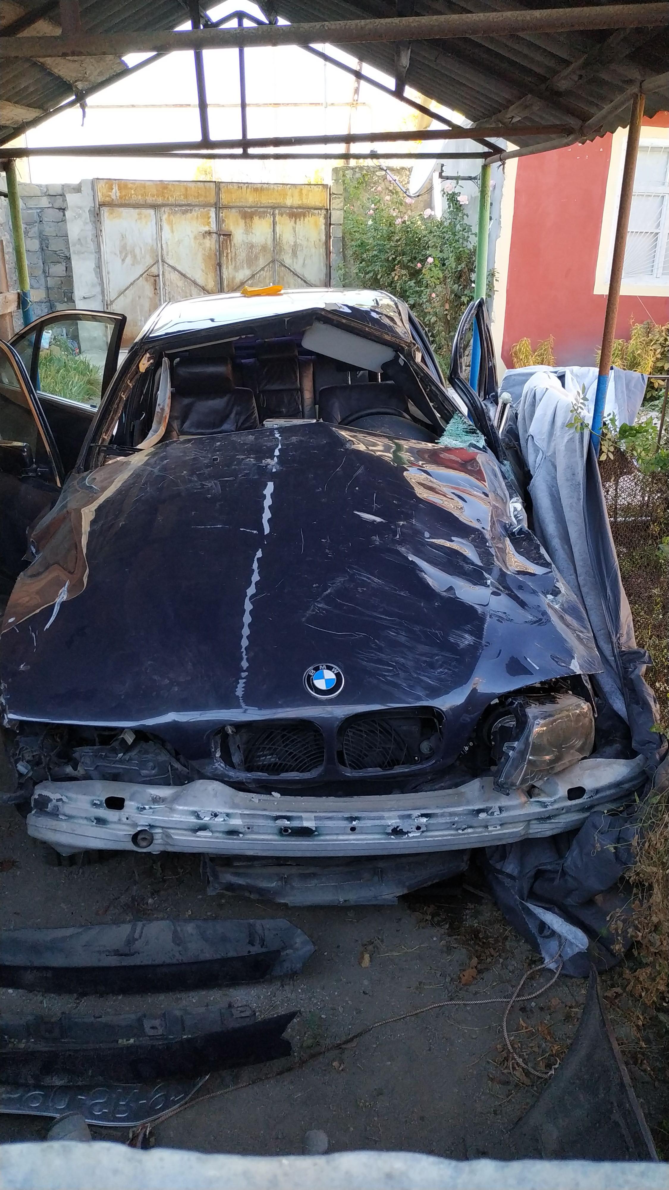 BMW 523 2.3(lt) 2000 İkinci əl  $3000