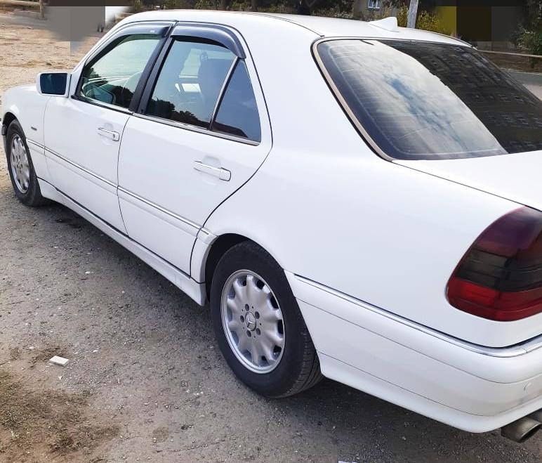 Mercedes-Benz C 230 2.3(lt) 1998 Second hand  $11500