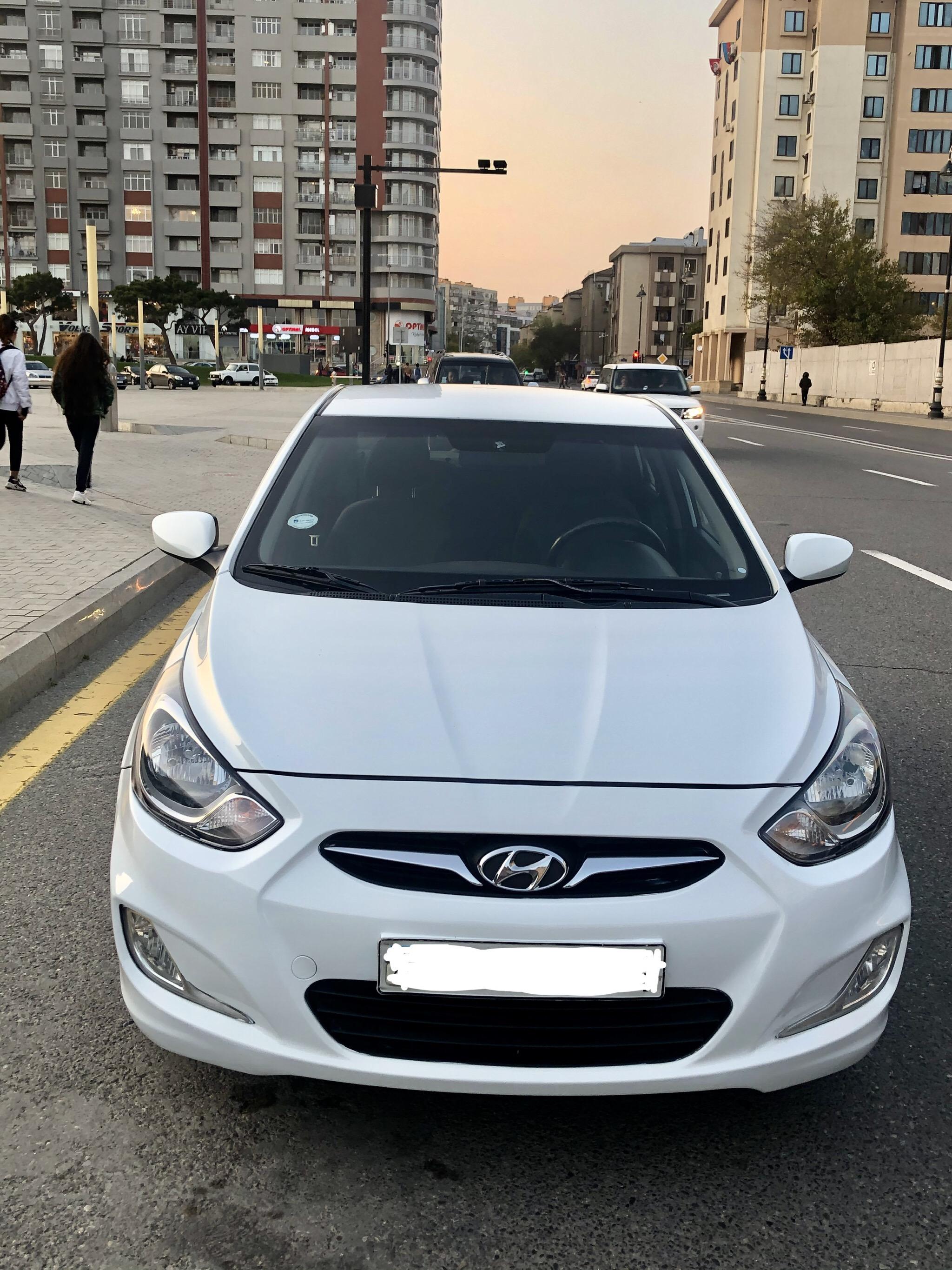 Hyundai Accent 1.6(lt) 2012 Подержанный  $9300