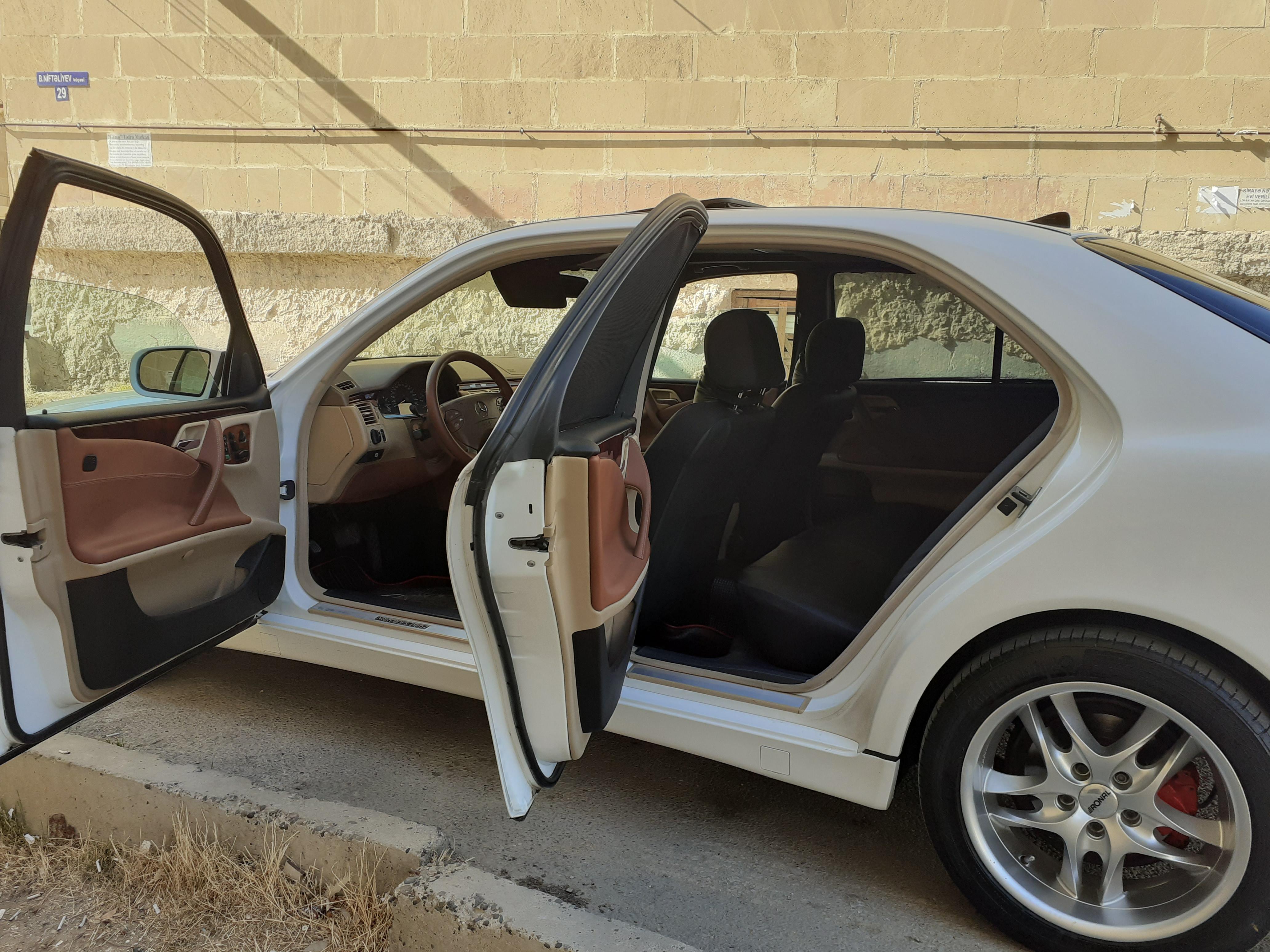 Mercedes-Benz E 240 2.6(lt) 2001 İkinci əl  $15800