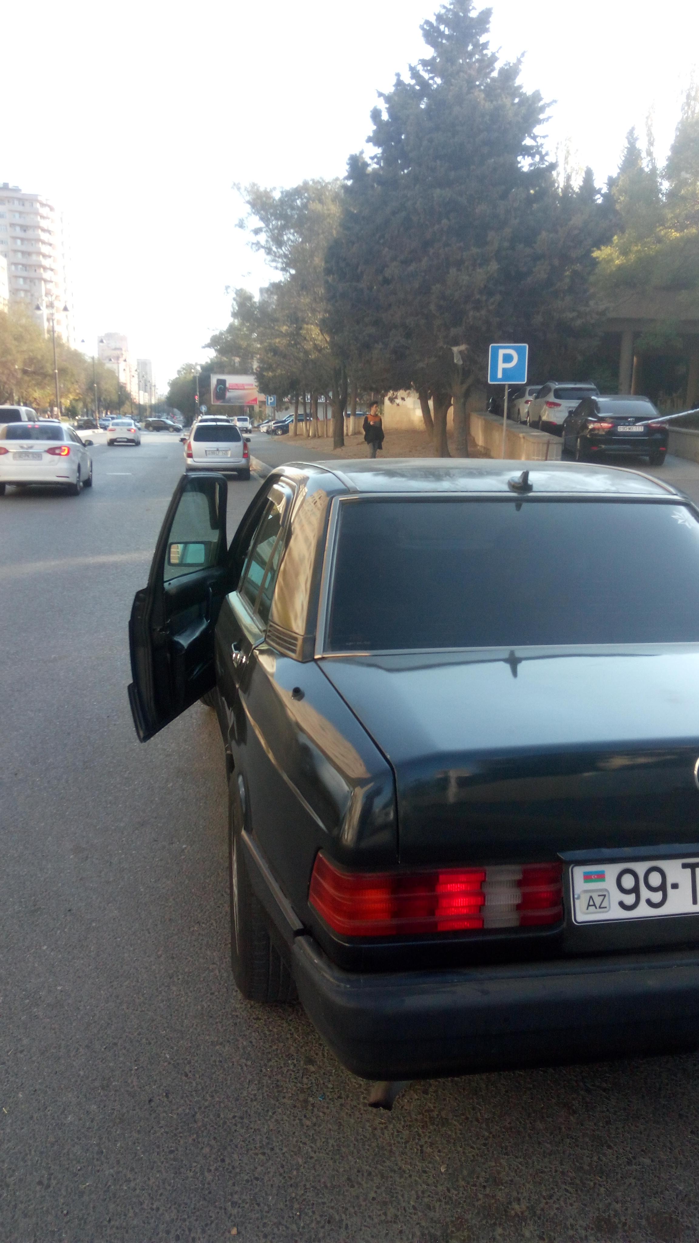 Mercedes-Benz 190 1.8(lt) 1990 Подержанный  $2500