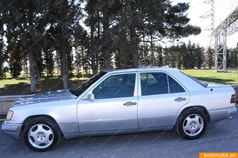 Mercedes benz e 220 second hand 1993 2500 gasoline for 2nd hand mercedes benz