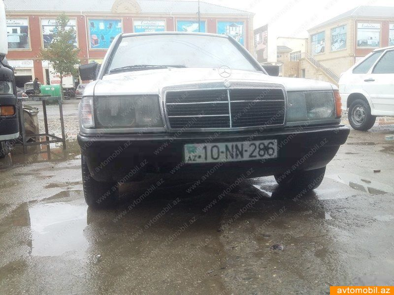Mercedes benz 190 second hand 1989 1900 gasoline for Mercedes benz 1900 model