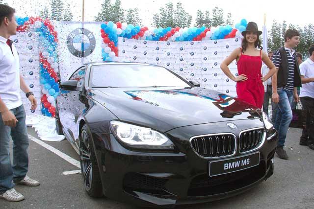 Yeni BMW M6 Qran Kupe avtomobilin Azərbaycanda təqdimatı