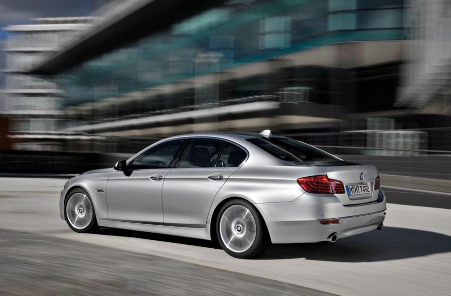 BMW научатся предвидеть обгон