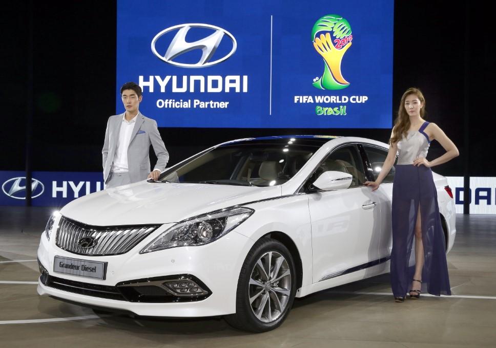 Koreyada yenilənmiş Hyundai Grandeur 2015 və Grandeur Diesel 2015 debüt etdi