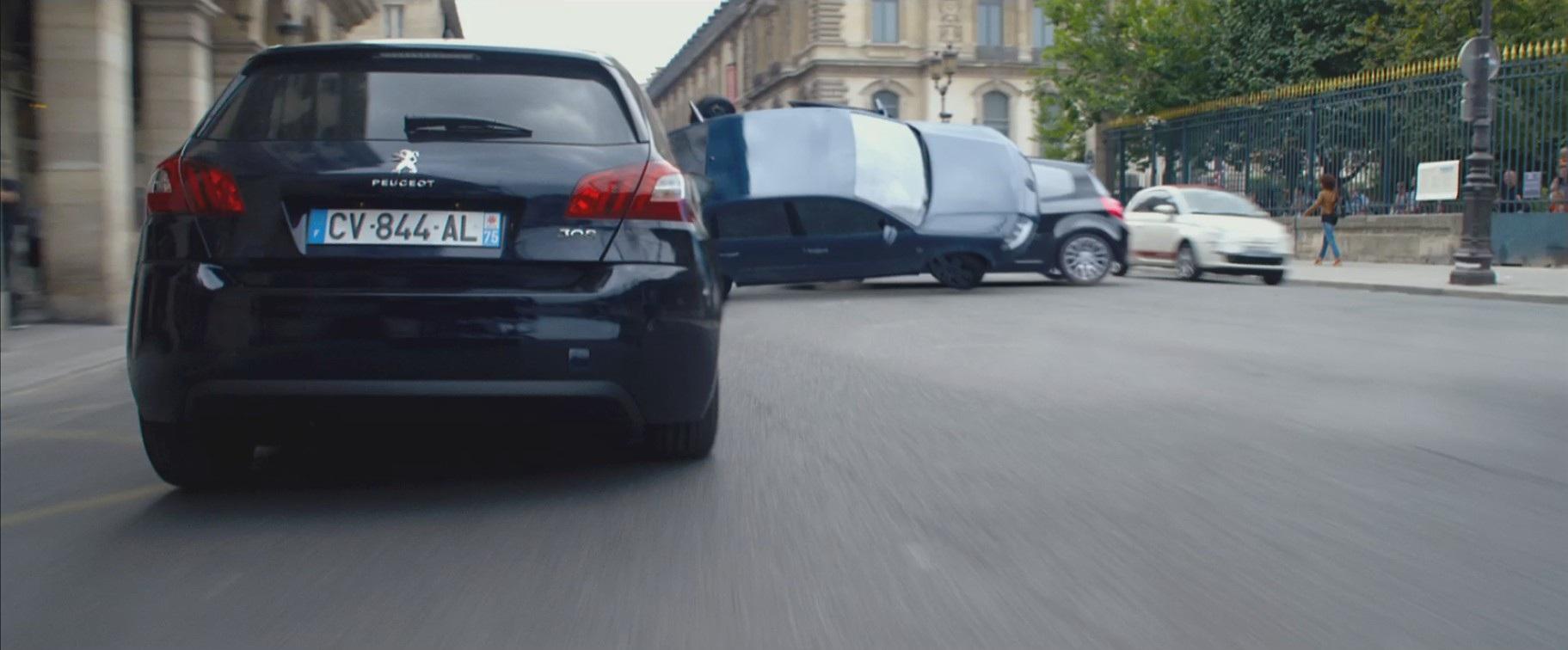 Skarlet Yohansson yeni filmində Peugeot 308-də