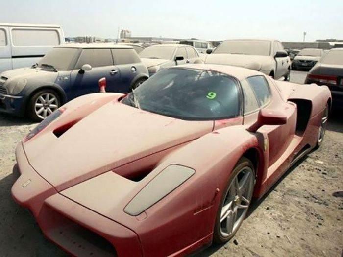Bu avtomobil qəbiristanlığı yalnız Dubayda ola bilər - FOTO