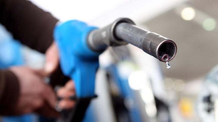 """Benzinin bahalaşma səbəbi """"avro"""" imiş - AÇIQLAMA"""