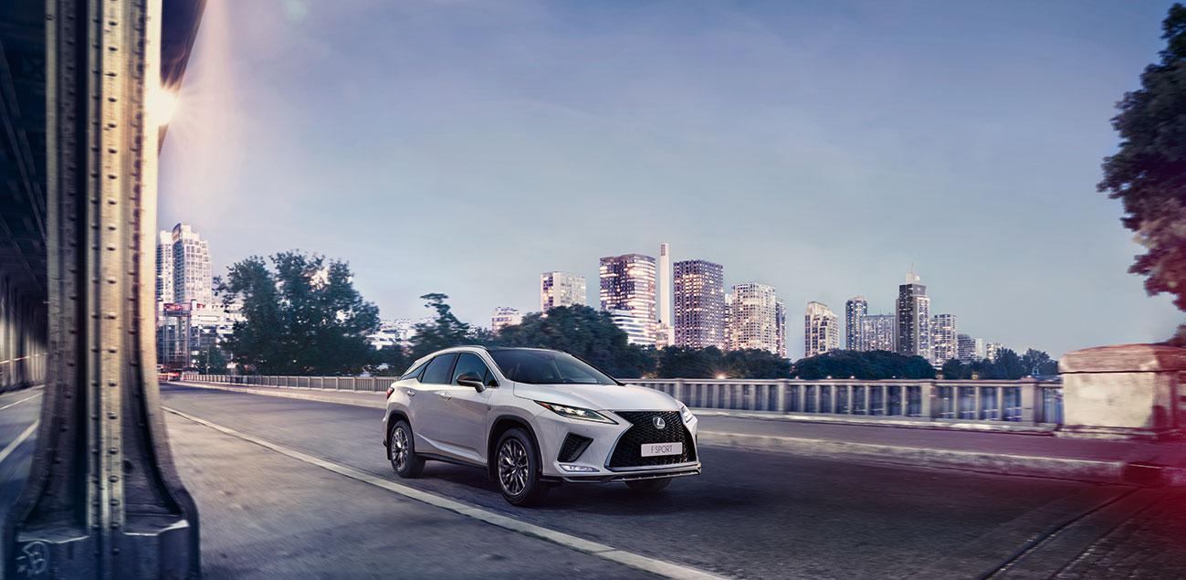 Yenilənmiş Lexus RX yeni standartlar yaradır